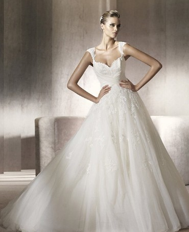 Attractive Options For wedding dress With Curves - Strapless Wedding ...
